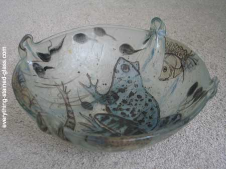 bowl with folded edges from slumping over mold