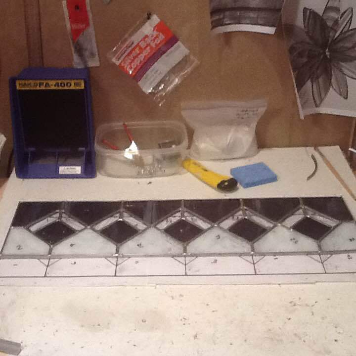 Stained glass panel without hooks