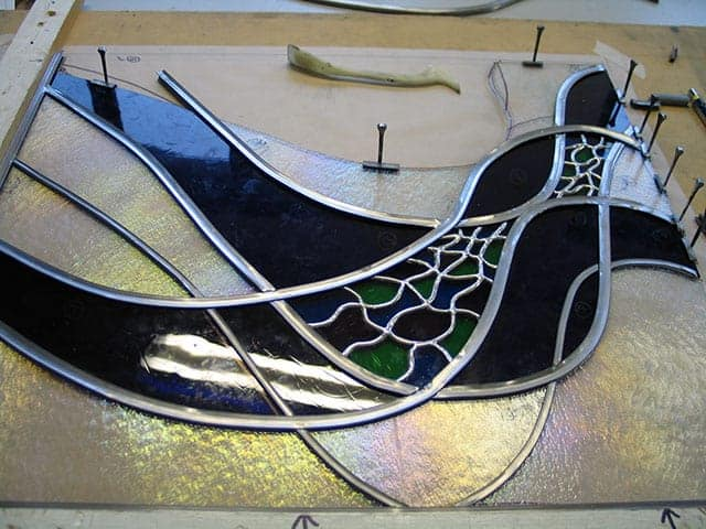 stained glass showing copper foiled and lead used together in one section